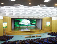 郑州某学校报告厅室内p5全彩显示屏案例