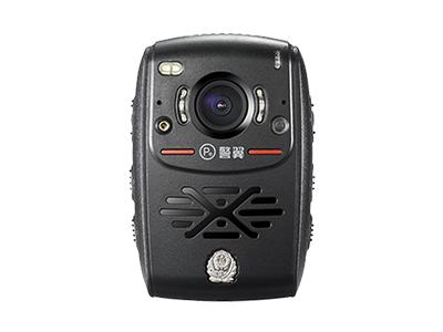 警翼K8    连续录像10小时,2000万像素,128度广角,IP68.内置3600mAh锂电池、充电时间小于4小时