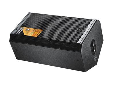 美国尼迪 MX512M 适合场所:KTV包间,多功能厅、俱乐部、慢摇、小型演出活动##箱。 产品参数: 额定功率:300W 峰值功率:600W 阻抗(Ω):8 扩散角度:70×70 灵敏度(dB):97dB 频响(Hz):60-20K 低频:12IN×1(310mm) 高频:1IN×1(44mm) 箱体材料:18mm中纤板 表面:黑色耐磨粗点喷漆 面罩:黑色铁网内贴声学透气海棉 箱体尺寸(W×D×H):645 x380 ×345mm 包装尺寸(W×D×H):435×410×690mm