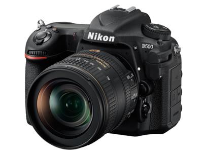 尼康  D500    传感器:APS-C画幅(23.5*15.7mm);有效像素:2088万;显示屏尺寸:3.2英寸;显示屏像素:235.9万像素液晶屏;连拍速度:支持(最高约10张/秒);快门速度:30-1/8000s;电池类型:锂电池EN-EL15;