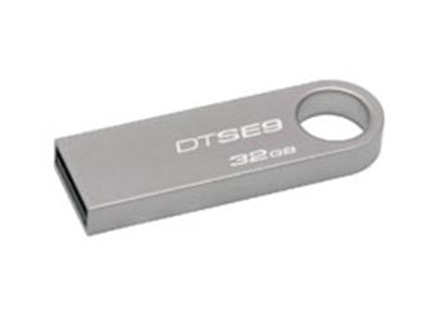 """金士顿SE9 金属系列USB2.0    接口类型: USB2.0 数据传输率: 读出:10MB/s,写入:5MB/s"""""""