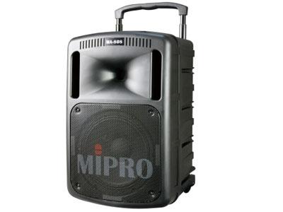 咪宝 MA-808旗舰型携带式无线扩音机   、采用高传真、高效率的D类放大器驱动双音路高效喇叭系统,播出清晰强劲的音量,具有自动限制失真之功能,能避免最大音量使用时产生失真,让您的金嗓子以最强劲的原音重现!首创主音量采用数字式控制。专利的独特工艺造型,扩充配件模块化,可快速拆装更换。