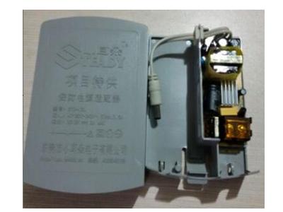 小耳朵 STD-K5L  输入电压:220V交流               输入电流:最大300mA              防水等级:IP65                     频率:50-60赫兹                     待机功耗:最大3.1W
