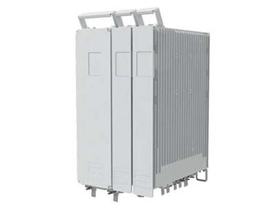 """分布式电源    """"简单:单人10分钟快速部署,支持模块化扩容,兼容AC及HVDC输入;近端手机APP,免上塔维护,支持智能网管,支持带内/外传输; 高效:业界效率领先的96\%分布式电源; 可靠:IP65防护等级,-40℃ ~ +55℃可靠运行;无风扇设计,高性能锂电池,3-5年免日常维护。"""""""