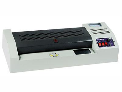 金典 320塑封机  自动塑封 输入电压(V):AC220~240V 50/60hz 最大塑封厚度(mm):1 预热时间:3-4分钟 原稿送入速度(m):720mm/分 过塑温度 :100-200 最大塑封尺寸(mm):320MM 胶辊数量:4 胶辊直径:26MM 过塑宽度:1-320MM 重量(kg):8 产品尺寸(mm):500*190*100MM 输入功率(W):600