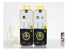 """米耳 M-乐视线 """"适用:A[PLE系列/此类接口产品   特性:可升级芯片,急速充电   线材:德国进口pc材料   传输铜丝:90根   版本:USB2.0   线长:1m   颜色:白色  产品特点: 1.独有可升级芯片,同步IOS9.2系统升级,无需换线。 2.USB2.0接口,完全兼容iPhone。 3.采用德国进口TPE、PC材料,柔软耐扯拉,不易变色。 4.传输铜丝:90根纯铜丝,远超标准,提高充电速率。 5.内置独有高弹力纤维纱防断丝,可承受25kg拉力"""""""
