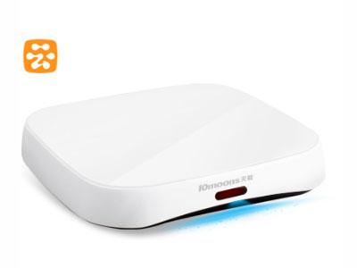 云盒  处理器Amlogic8726-MX 魔蝎座 双核A9 系统内存1G DDR3 存储容量4G FLASH 操作系统阿里云OS 扩展存储支持Micro SD(TF)卡,最大支持32G 网络150M WIFI, 100M LAN接口 视频接口HDMI高清接口,3.5mm音视频混合接口(AV口) 电源DC 5V/2A 机身尺寸125mm*125mm*22mm 机身重量145g