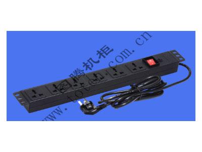 """图腾 6位万能排插带19""""安装板PDU(PD.0601.9300)  输出单元:6位; 插座制式:GB2099.3-1997 10A国标万用插座; 输入插头:GB1002-1996 10A国标三扁插头; 输入方式:右端单路输入; 电缆线规格:3*0.75mm2*1.8M; 额定值:10A 250V; 承载功率:2500W; 产品尺寸:长*宽*高= 483*45*55mm; 安装方式:正方向19""""安装; 控制功能:带灯总控开关; 保护功能:过载保护器; 外壳颜色:黑色;"""