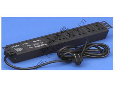 """图腾 6位输出带防雷模块19""""安装PDU(PD.0601.9200)  输出单元:6位; 插座制式:GB2099.3-1997 10A国标万用插座; 输入插头:GB1002-1996 10A国标三扁插头; 输入方式:左端单路输入; 电缆线规格:3*1.5mm2*3M; 额定值:10A 250V; 承载功率:2500W; 产品尺寸:长*宽*高= 483*45*62mm; 安装方式:正方向19""""安装; 控制功能:无; 保护功能:AUEC-M30防雷模块; 外壳颜色:黑色;"""