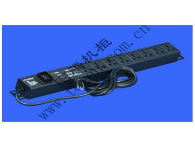图腾 8位输出带防雷模块万能PDU(PD.0801.9100)  输出单元:8位; 插座制式:GB2099.3-1997 10A国标万用插座; 输入插头:GB1002-1996 10A国标三扁插头; 输入方式:左端单路输入; 电缆线规格:3*1.5mm2*3M; 额定值:10A 250V; 承载功率:2500W; 产品尺寸:长*宽*高= 628*45*62mm; 安装方式:反方向安装; 控制功能:总控开关; 保护功能:AUEC-M30防雷模块; 外壳颜色:黑色;