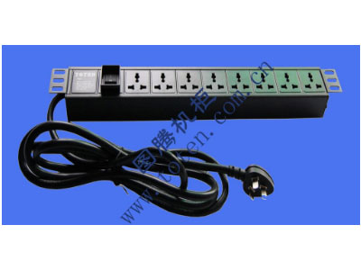 """图腾 8位输出万能插孔PDU(322000201)  输出单元:8位; 插座制式:GB2099.3-1997 10A国标万用插座; 输入插头:GB1002-1996 16A国标三扁插头; 输入方式:左端单路输入; 电缆线规格:3*2.5mm2*3M; 额定值:16A 250V; 承载功率:2500W; 产品尺寸:长*宽*高= 483*45*62mm; 安装方式:正方向19""""安装; 控制功能:总控开关; 保护功能:无; 外壳颜色:黑色;"""