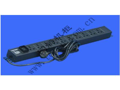 图腾 10位输出万能插孔PDU(PD.1001.9000)  输出单元:10位; 插座制式:GB2099.3-1997 10A国标万用插座; 输入插头:GB1002-1996 10A国标三扁插头; 输入方式:左端单路输入; 电缆线规格:3*1.5mm2*3M; 额定值:10A 250V; 承载功率:2500W; 产品尺寸:长*宽*高= 646*45*62mm; 安装方式:反方向安装; 控制功能:总控开关; 保护功能:无; 外壳颜色:黑色;