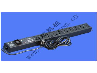 图腾 10位输出带防雷模块万能PDU(PD.1001.9100)  输出单元:10位; 插座制式:GB2099.3-1997 10A国标万用插座; 输入插头:GB1002-1996 10A国标三扁插头; 输入方式:左端单路输入; 电缆线规格:3*1.5mm2*3M; 额定值:10A 250V; 承载功率:2500W; 产品尺寸:长*宽*高= 727*45*62mm; 安装方式:反方向安装; 控制功能:总控开关; 保护功能:AUEC-M30防雷模块; 外壳颜色:黑色;