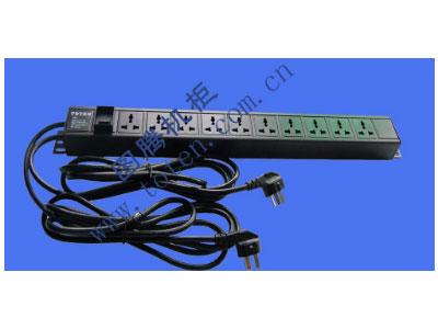 图腾 10位输出万能插孔PDU(322000681)  输出单元:10位; 插座制式:GB2099.3-1997 10A国标万用插座; 输入插头:GB1002-1996 10A国标三扁插头; 输入方式:左端单路输入; 电缆线规格:3*1.5mm2*3M(2条); 额定值:2*10A 250V; 承载功率:2*2500W; 产品尺寸:长*宽*高= 660*45*62mm; 安装方式:反方向安装; 控制功能:无; 保护功能:无; 外壳颜色:黑色;