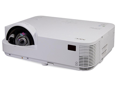 "NEC M323HS+1.7倍大变焦比;USB连接投影,USB直接播放(图片);RJ45直线投影;无线投影;高清投影;5000小时灯泡寿命;""冲突风冷系统""专利,液晶板使用寿命倍增;内置10W扬声器;9种背景色校正,无需幕布;画面缩放功能可将需要强调的文字和图表扩大显示;安全功能,集中管理更容易;虚拟遥控器功能;"