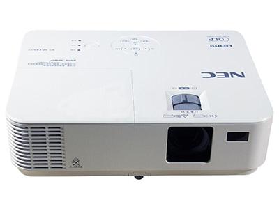"NEC CD1100    ""投影尺寸: 30-300英寸 屏幕比例: 4:3 投影技术: DLP 投影机特性: 3D,便携 亮度: 3000流明 对比度: 10000:1 标准分辨率: SVGA(800*600) 色彩数目: 10.7亿色"""