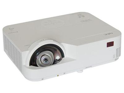 """NEC M353HS+    """"投影尺寸: 60-150英寸 屏幕比例: 16:9 投影技术: DLP 投影机特性: 短焦 亮度: 3500流明 对比度: 10000:1 标准分辨率: 1920*1080 色彩数目: 10.7亿色"""""""
