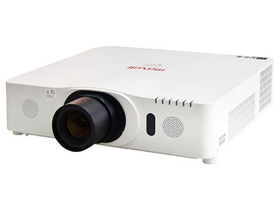 """日立HCP-D767X    """"投影技术: 3LCD 亮度: 6000流明 对比度: 3000:1 标准分辨率: XGA(1024*768)"""""""