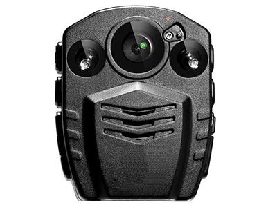 AEE DSJ-P8    135°超大广角镜头,1.5寸TFT屏,防水防尘标准可达IP67,f 2.5 光圈。高清摄像头,支持720P/960P/1080P高清录影,拍照功能,最高支持拍摄4096X3076分辨率图片,4倍的数字变焦功能(适用720P/30fps模式)。红外线夜视功能。录影循环覆盖功能(可选)无线遥控功能