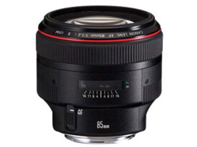 佳能 EF-85mmf1.2  画幅:全画幅分类:专业套头:多镜头套机像素:2000-2999万
