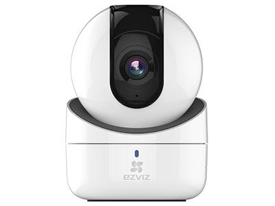 螢石 C6H互聯網云臺攝像機    螢石C6H攝像頭能提供720P高清畫質,并且支持4倍數字變焦。螢石C6H還支持紅外夜視功能,采用850mm紅外點陣技術,配合增透鏡片,能支持10米的照射距離,并且提供正常模式和紅外模式自動切換功能。