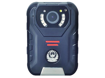 """方正执法记录仪DSJ-S2    """"1、自主外观专利,采用黑色高强度壳体,多功能集成化设计,结构紧凑,外形美观,外壳防护等级达到GB4208-2011中IP67要求 。抗跌落等级≧3米,根据用户使用需求,可方便更换面版图案。 2、摄像分辨率2304x129630p 1920x108030P 1440x108030P0 1280x72060p 1280x72030p 848x48060p  848x48030p 720x48030p 多种分辨率可选 3、有效像素3600万,4M/8M/14M/16M/21M/32M/36M,多种"""