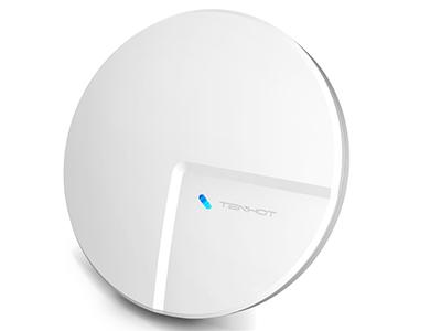 腾狐 XSD110 室内吸顶式瘦 AP TH-XSD100-V2 室内有效覆盖距离可达 20 米,室内有效覆盖房间数量可达 4 个,属于吸顶式室内高覆盖系列产品。设备工作在 2.4GHz 频段,采用 2T2R 2.4G 无线 MIMO 技术,内置 2 根 MIMO 天线,最高可提供300Mbps 的无线数据传输速率,支持多达 30 个用户同时无线上网