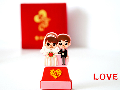 郑州东方人和新品特价推荐:婚庆U盘 16G 特价:20 大客户专线:张经理15225160999