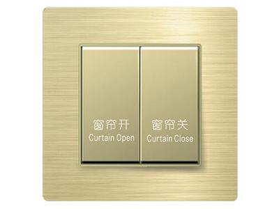 風尚系列單層電動窗簾控制器   無線自組網方式并入智能家居系統,實現本地、遠程遙控、場景等智能控制;支持本地按鍵控制,支持智能遠程控制;手機APP同步,實時查看家里窗簾狀態,帶雙向反饋功能;可定制鐳雕絲印,與同系列其他面板組成聯體面板
