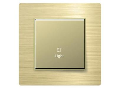 風尚系列單鍵開關控制器   采用全球統一標準ZigBee 2.4G技術,無線自組網式并入智能家居系統,入網簡便;本地、遠程、遙控、場景,多種方式智能控制家中燈光,隨心管控;雙向反饋,通過手機即可隨時隨地控制、查看家中燈光情況,生活更舒心;可定制鐳雕絲印,與同系列其他面板組成聯體面板