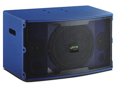 """英國JRK RS-510B   """"黑色/藍色/白色、可定制顏色 三單元兩分頻KTV全噴漆音箱 一只10英寸低音單元 兩只3英寸紙盆高音 采用專業高效率卡拉OK專用單元 采用音箱專用保護 人聲表現力出色,中頻渾厚,穿透力強 額定功率(RMS):180W 峰置功率(RMS):400W 最大聲壓級(RMS):122dB 靈敏度(1m/1w):92B 頻率響應(-3dB):60Hz-20KHz+-1dB 推薦阻抗:8歐 凈重:16Kg"""""""