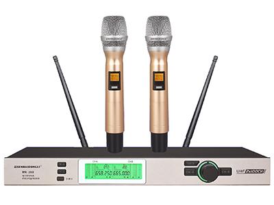 """森海動力 MK-288   """"■具有AFS自動搜頻功能,能搜索并鎖定實際環境中最干凈的工作頻率. ■具有IR 紅外線自動對頻功能.一鍵自動對碼. ■具有接收距離多段調節功能.適應更多的應用場合.具有系統主機頻率防誤操作鎖定. ■背光式LED顯示屏指示了RF和AF信號強度,電池狀態,分集通道指示(A/B),頻率,頻率組/頻道等工作狀態. ■穩定的PLL相位鎖定電路,配合雜訊鎖定靜噪控制與數碼導頻鎖定控制技術.能有效地阻隔環境中的無線干憂. ■聲音特性: 這是一款具有干凈和平衡聲音風格的話筒。極佳的本底噪聲控制電路. 實"""