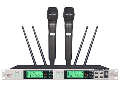 """森海動力 MK-815   """"1.真分集接收機,雙通道獨立選訊系統.能最大限度降低了斷頻的發生. 2.雙通道獨立AFS頻率自動搜索功能,能迅速掃描所在工作環境中干憂最少的頻率并鎖定. 3.接收機與發射機通過IR紅外對頻技術,一鍵同步對碼. 4.專業演出級別的相位鎖定電路,配合雜訊鎖定靜噪控制與數碼導頻技術, 當發射器關閉時,導頻控制將AF信號靜音以抑制噪聲,同時將對應的接收機靜音。保證了對干憂信號的有效阻隔. 5. 背光式LED顯示屏指示了RF和AF信號強度,電池狀態,分集通道指示(A/B),頻率,頻率組/頻道等工作狀"""