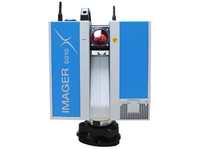 华测 Z+F IMAGER 5010X 三维激光扫描仪   内置陀螺仪,惯导,电子罗盘,GPS传感器,能记录站点位置;配有的双WiFi天线可保证在施测过程中配合使用平板电脑实时回传数据并进行自动拼接,现场即可检索扫描数据。5010X拥有数据实时回传,实时拼接等具有革新意义的功能和自动标定标靶、检查数据质量、检查标靶质量、查找补测盲区等全新的工作流程,必将大大提高您的工作效率。