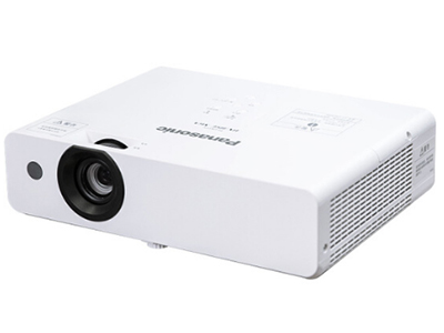 松下PT-UX385C  投影尺寸:40-300英寸 屏幕比例:4:3 投影技术:3LCD 亮度:3800流明 对比度:16000:1 标准分辨率:XGA(1024*768)
