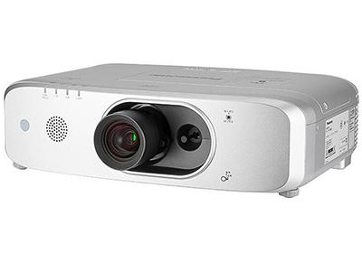 松下PT-FW560C  投影尺寸:40-300英寸 屏幕比例:16:10 亮度:5500流明 对比度:10000:1 标准分辨率:WXGA(1280*800)