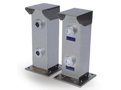 激光对射器系列 精选优质304不锈钢外壳,抗外力破坏及恶劣气候影响,采用808nm激光作为探测器光源,隐形防范,稳定性超强