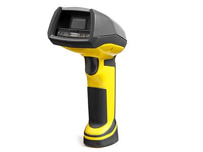 康耐视 DataMan 8050X 手持式读码器 具有近/远集成 LED 光照设备,专门用于对具有挑战性的二维 DPM 代码进行解码