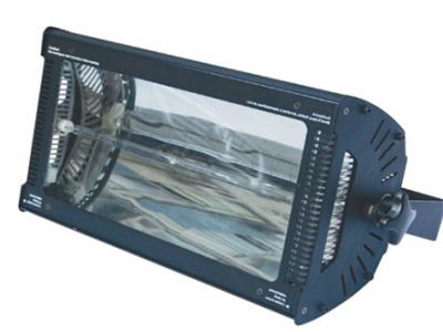 艺博 3000W脉冲管频闪灯 LR-PSW008电压:AC220V/50Hz     灯泡:3000W的脉冲管 控制通道:4个DMX-512通道