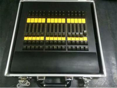 艺博 Fader Wing LR-MNTH003结合grandMA2 onPC实时控制2,048个参数(MA系统备份最多65,536个参数 可扩展至