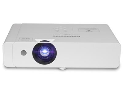 """松下 PT-X416C 商務教育機 """"強光感應功能;標配加強型空氣過濾網;水平、垂直梯形校正和四角校正功能;曲面校正功能;USB;兩路VGA輸入;具備HDMI高清接口; """""""