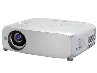 松下PT-BW550C   寬屏 投影儀 鏡頭垂直位移;7000小時燈泡壽命;強光感應功能;水平、垂直和四角梯形校正功能;曲面校正功能;HDMI*2;