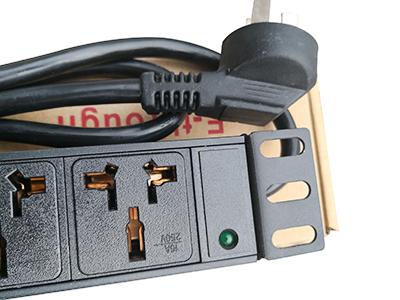 機房專用PDU防雷插座