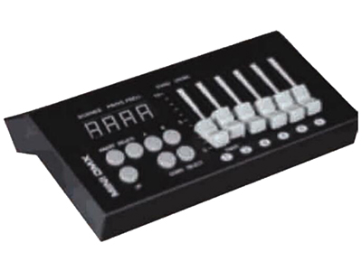 YG-MINI 迷你54控台  迷你54控台遵循DMX512国际标准协议能控制所有支持DMX512协议的灯具,如摇头灯,星光幕、各类PAR灯等。 它仅有54个通道,在使用时请注意,同一个网络是灯具的通道数不要超过54个。 如:常规电脑灯只有16个通道,在网一个网络上最多只能串三台灯。 (16X3-48通道,少于54个道道)54个通道 可存9个程序 每个程序可存50个场景 支持断电记忆 支持9V万能表电也供电