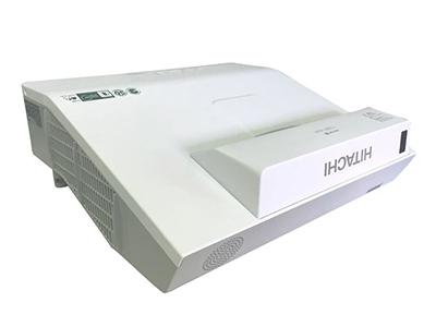 日立 HCP-A833W+ 投影机 3000流明 1280*800分辨率 16000:1对比度 全密闭反射式宽屏短焦、0.59英寸多晶硅有源矩阵式TFT液晶板、电动聚焦/数码变焦、边角校正、无PC演示