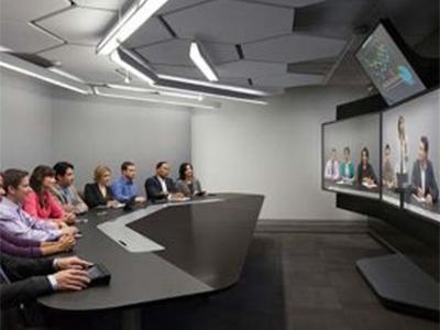 寶利通  RealPresence Immersive Studio 無論您的團隊身處世界各地,您都需要更快更好地作出決策。會議室和移動視頻是日常會議的絕佳選擇,但是最重要的企業討論必須具有很高的逼真性和互動性。