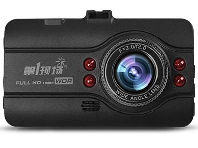 第1现场 D107 行车记录仪  高清1080P 170度广角 3英寸大屏 红外夜视 自动循环录影