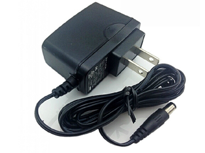 TP-LINK  12V 0.6A  电源适配器