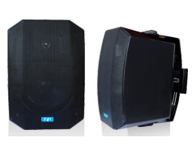 """FiFi  FM-305 壁挂式扬声器 """"功能特点: ABS塑料外壳,用于背景音乐的新款扬声器 FM-305壁挂式扬声器适用于背景音乐。扬声器外观设计优雅时尚,这款配有铁面网的音箱表面光滑无暇。经典的外形搭配潮流的曲线使其可广泛安装在不同位置并与建筑融为一体。新设计的半圆形支架扩大了音箱的安装和使用范围,这个设计不仅美观,而且可以在垂直方向进行15度角调整。 设备参数  额定功率:30W(110V) 灵敏度:81dB(1W/1M) 最大声压级:101dB(Pmax/1m) at 1000Hz 频响范围:60Hz-20KHz 1"""
