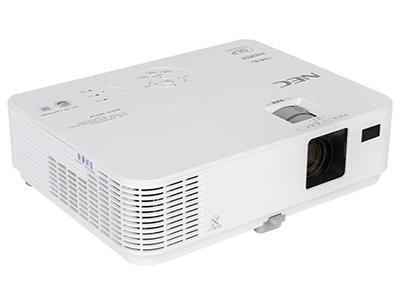 NEC CR3126X  投影尺寸:30-300英寸 屏幕比例:4:3 投影技术:DLP 亮度:3200流明 对比度:10000:1 标准分辨率:XGA(1024*768) 色彩数目:10.7亿色